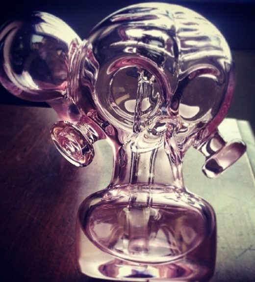 IG_pink_gas_mask